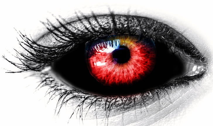 selective color red eye