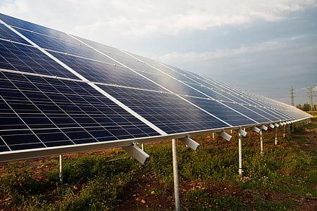 solar panel during daytime