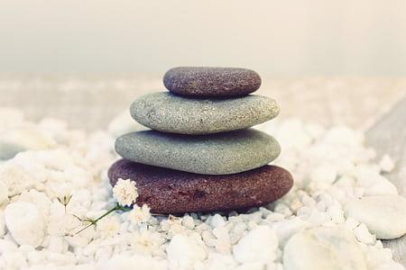 four stones cairn