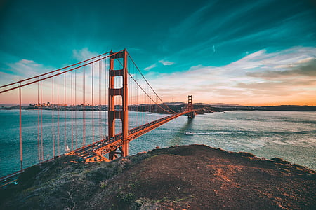 Golden Gate bridge during dawn