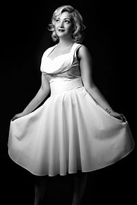 woman in sleeveless dress