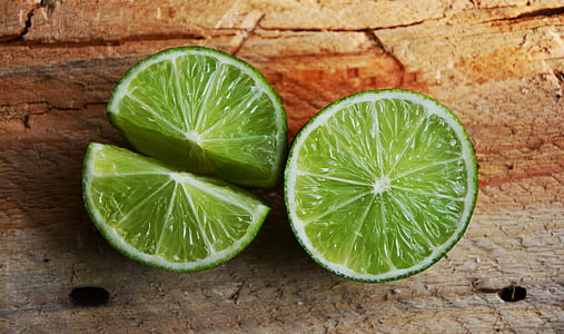 green sliced lemon