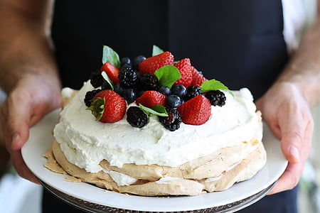 cake with raspberry and blueberries