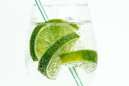 clear wine glass with sliced lemon
