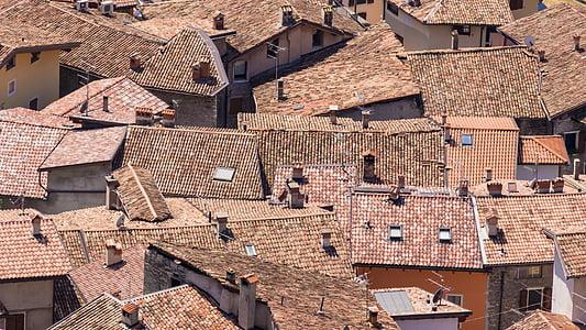 brown concrete houses