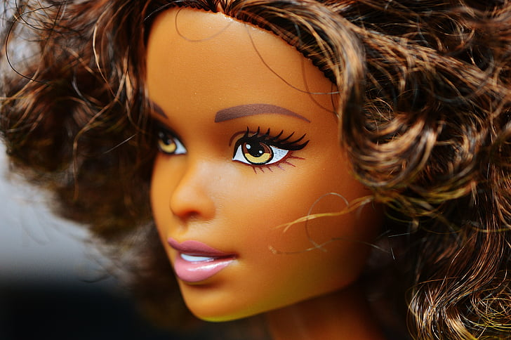 close up photo of Barbie doll