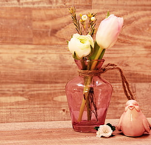 pink glass flower vase