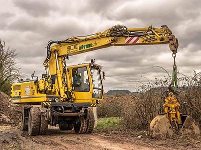 yellow crane truck