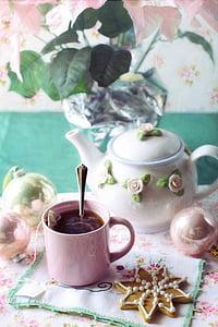 pink ceramic tea mug