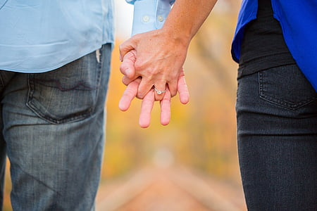 couple holding hand