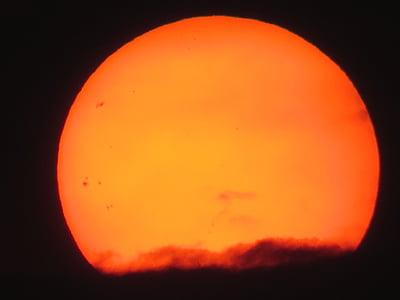 round orange moon