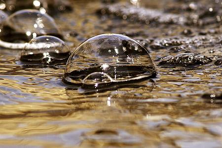 closeup photo of bubbles