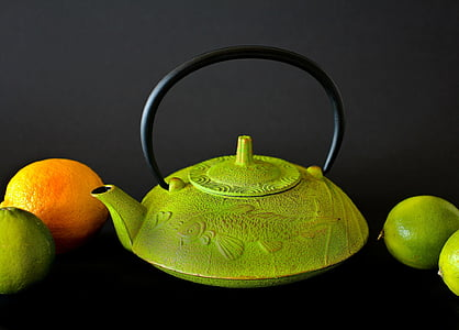 green kettle with lemons