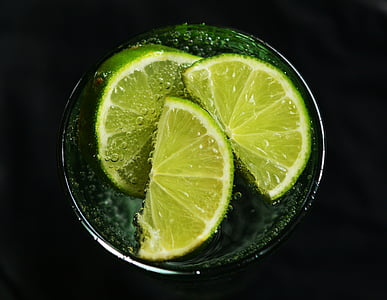 slice of lemon lime