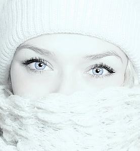 women's white knitted head gear