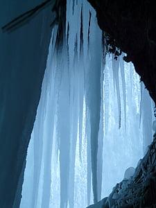 stalagmite stones