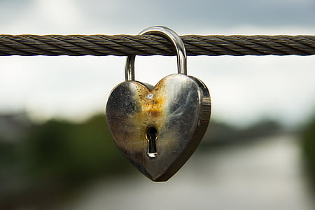 silver heart padlock