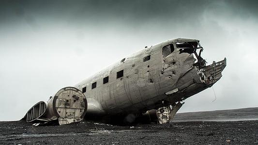 wreck plane digital wallpaper