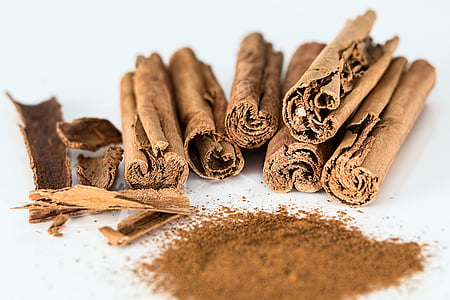 close up photo of brown tobacco