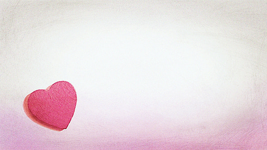heart-shaped pink cookie