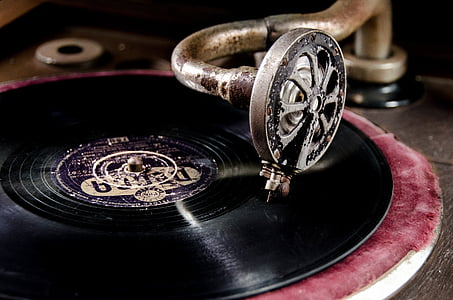 brown and black turntable