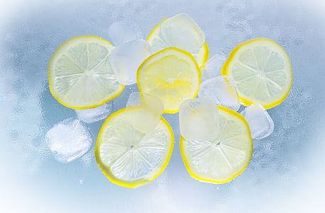 six sliced lemons